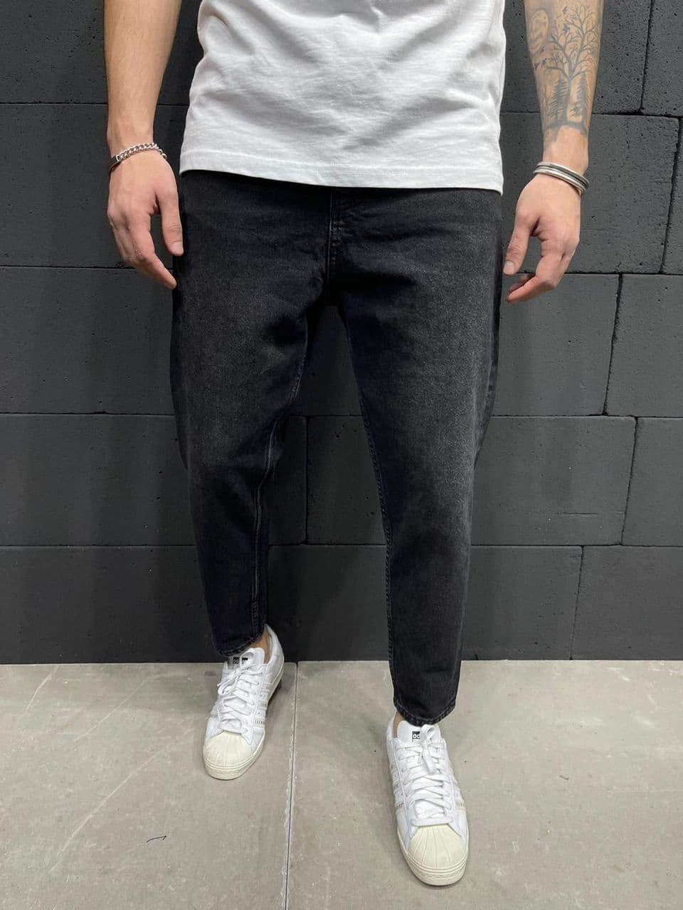 Мужские прямые джинсы черного цвета
