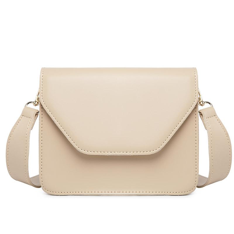Женская классическая сумочка через плечо кросс-боди на широком ремне бежевая