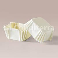 Белые квадратные формочки из пергамента для тортов и пирожных (40x40x22 мм)