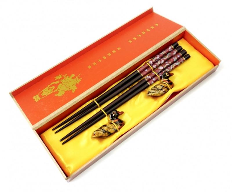 Палочки для еды, для суши 2 пары + 2 подставки в подарочной коробке №5