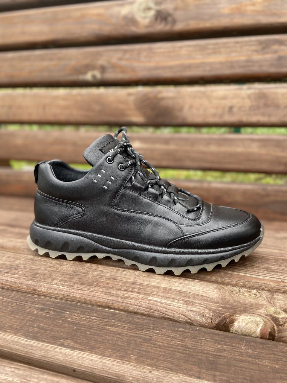 Чоловічі шкіряні кросівки чорні (натуральна вовна)