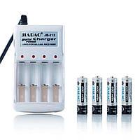 Зарядное устройство с АА аккумуляторами (4 шт) Jiabao Digital Charger JB-212 (3278)