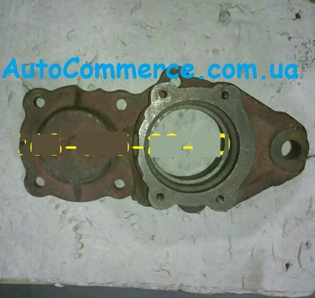 Крышка коробки передач КПП задняя ХАЗ 3250 Анторус, Dong Feng 1062, Богдан DF-40