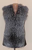 Меховая жилетка с кожаной спинкой