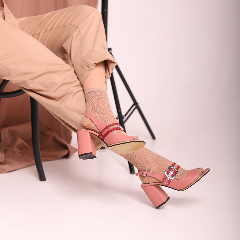 Босоножки с прозрачным ремешком через подъем, каблук 8см, цвет чайная роза, в наличии размер 37