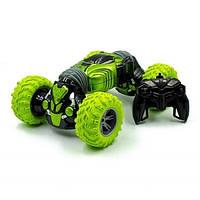 Трюковая машинка-перевёртыш на пульте управления Champions 2588 Зеленая