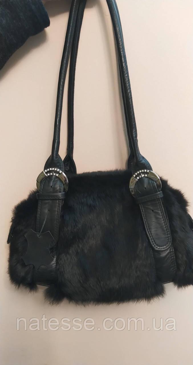 Сумка из меха черного кролика с пряжками