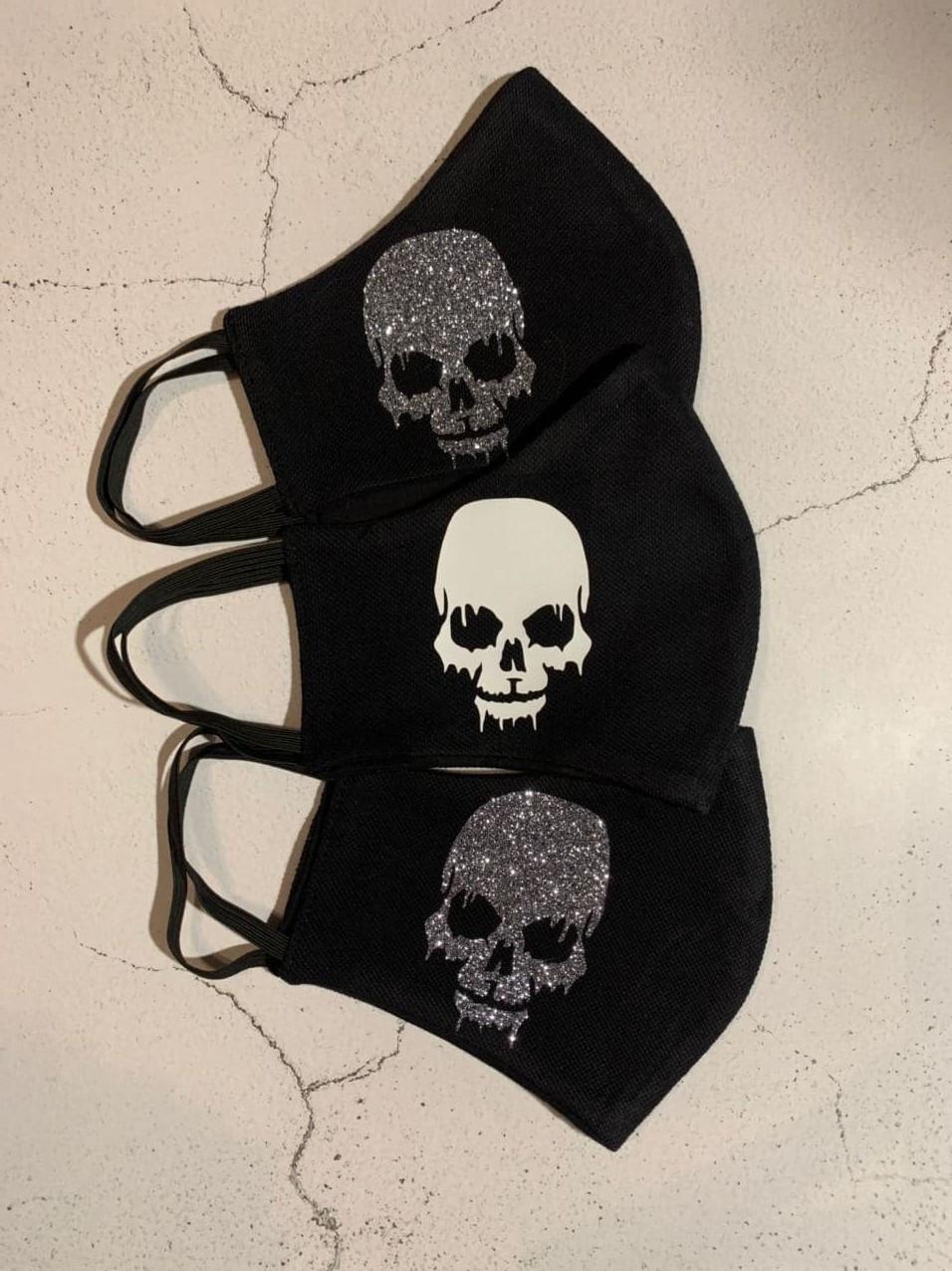 Черная тканевая маска (защитная многоразовая маска дли лица с рисунком)