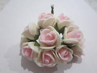 Розочка из фома кремово-розовая, 11 цветков, диаметр розы 15-20 мм, длина проволоки 7 см