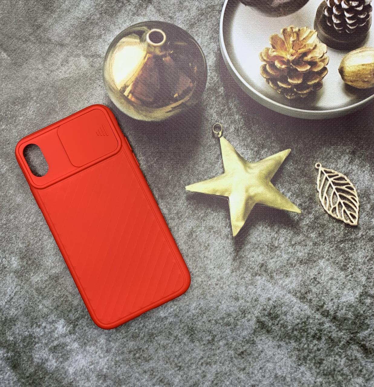 Чехол на iPhone XR матовый цветной силиконовый красный с защитой камеры