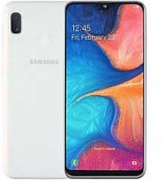 Смартфон Samsung Galaxy A20e SM-A202F 3/32GB White (SM-A202FZWD), фото 1