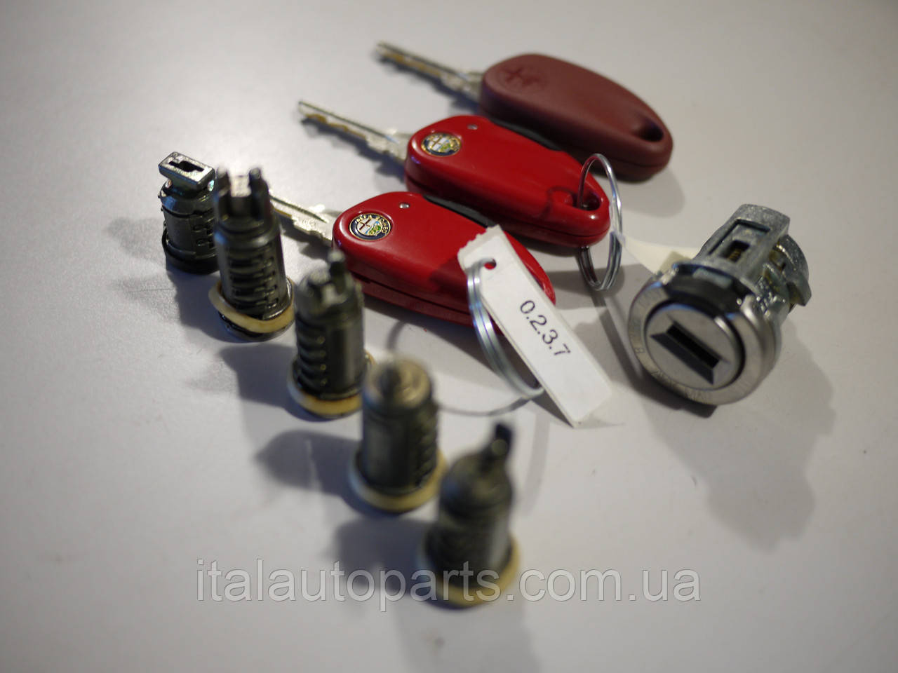 Комплект личинок замков Alfa Romeo 155