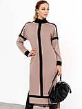 Трикотажное платье с воротником-стойкой и удлинённой спинкой, фото 3
