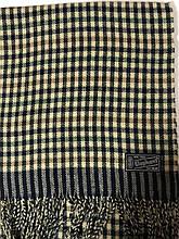 Мужской однотонный классический  тёплый шарф бежевый с чёрным