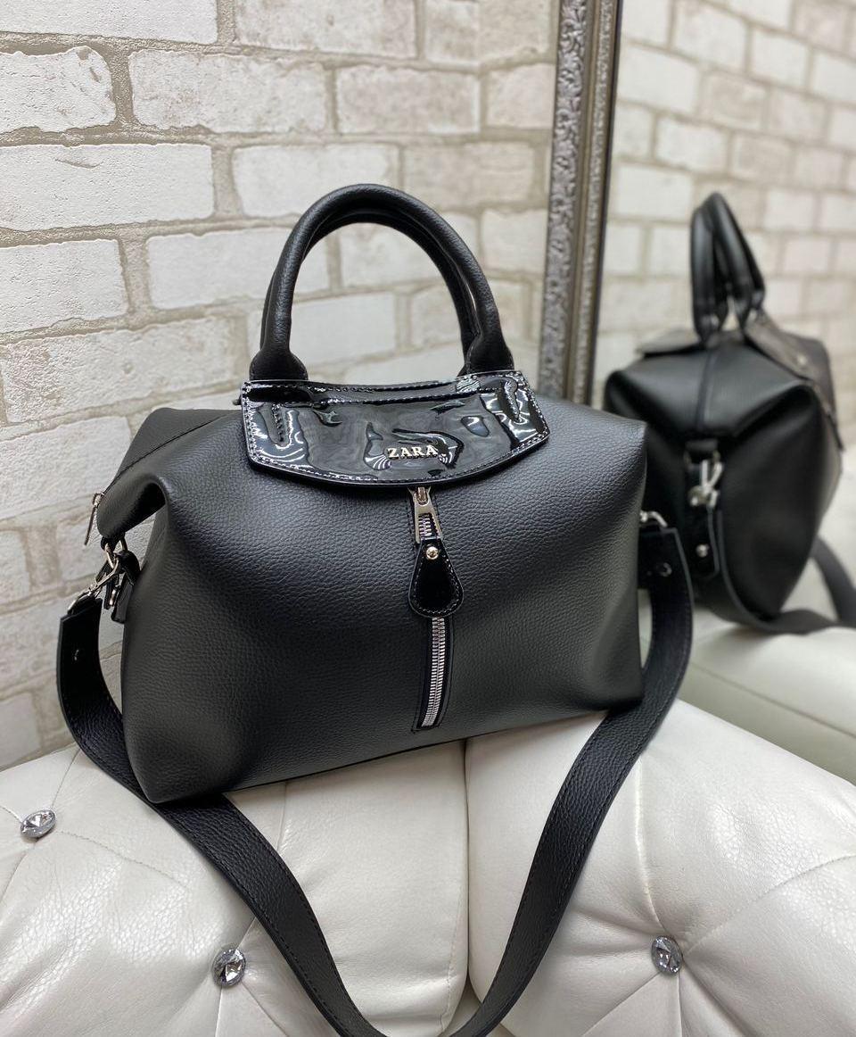 Женская сумка саквояж вместительная городская стильная на широком ремне черная кожзам