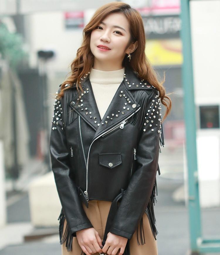 Женская кожаная куртка с шипами. Модель 657-2