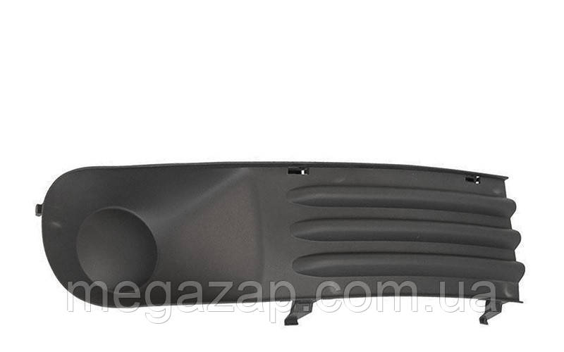 Решетка бампера правая VW Transporter T5 (03-09)