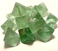 Флюорит Зеленый/Хлорофан. Природный. Кристаллы в форме Октаэдра.