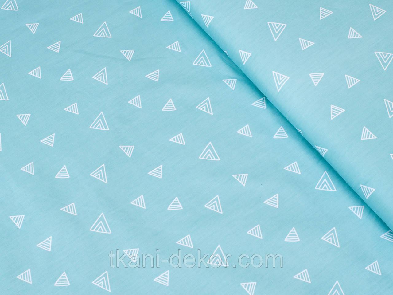 Сатин (хлопковая ткань) на зеленом треугольники (55*160)