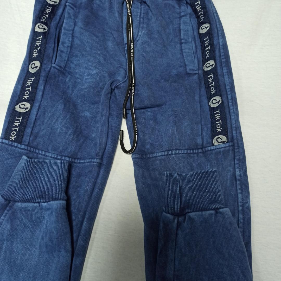 Спортивные модные теплые штаны на манжете для мальчика.
