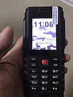 Кнопочный телефон iOutdoor T2 Red (битый экран, на работу не влияет)