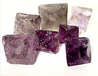 Флюорит Фиолетовый/Антозонит. Природный. Кристаллы в форме Октаэдра.