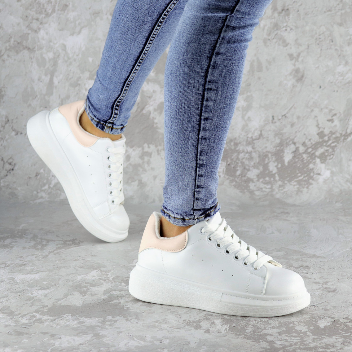 Кроссовки женские зимние белые Celtie 2236 (36 размер)