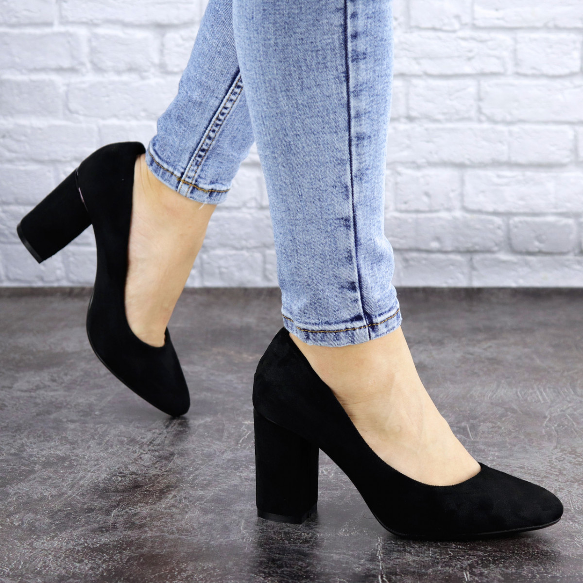 Туфли женские на каблуке черные Beans 2114 (36 размер)