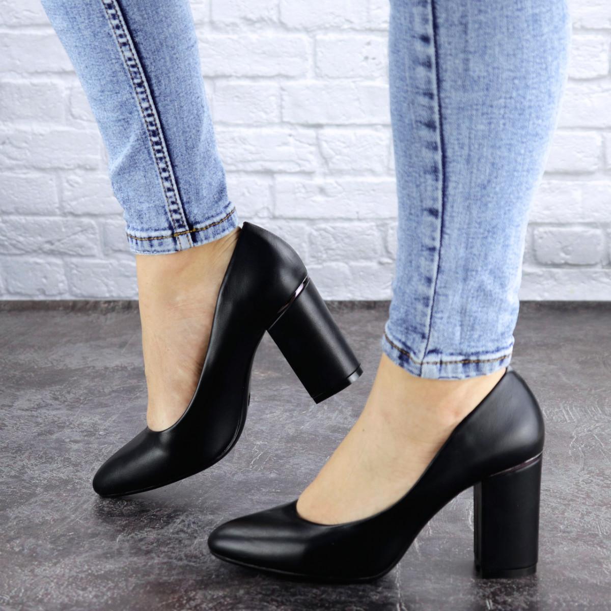 Туфли женские на каблуке черные Beans 2129 (36 размер)