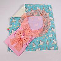 Конверт на выписку летний нежно розовый с кружевом + плед пони с молочным плюшем BabySoon 78х85см