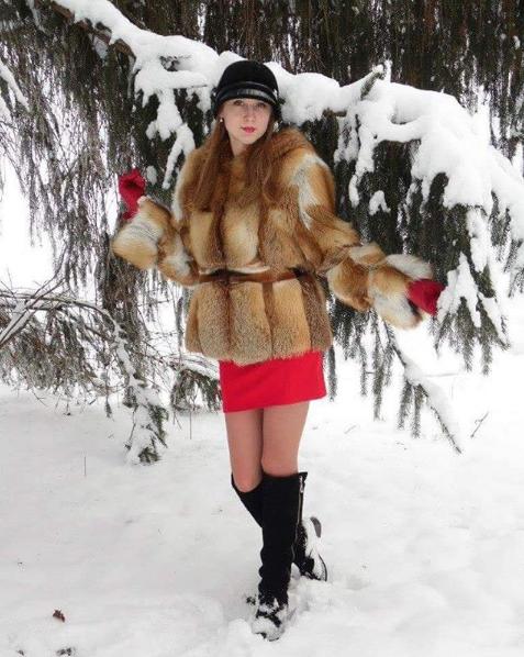 Женский полушубок из натурального меха рыжей лисицы (размер 46-48). Авторское ателье IVANISHCHEV