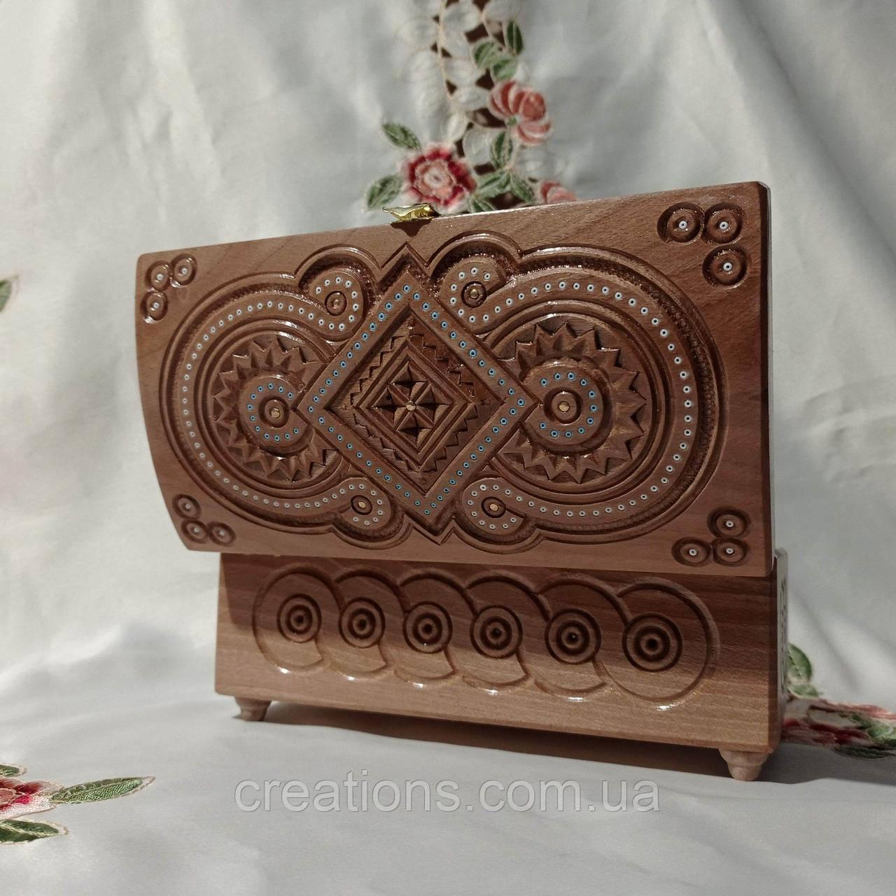 Шкатулка деревянная резная 21*11*11 для украшений, ручная работа