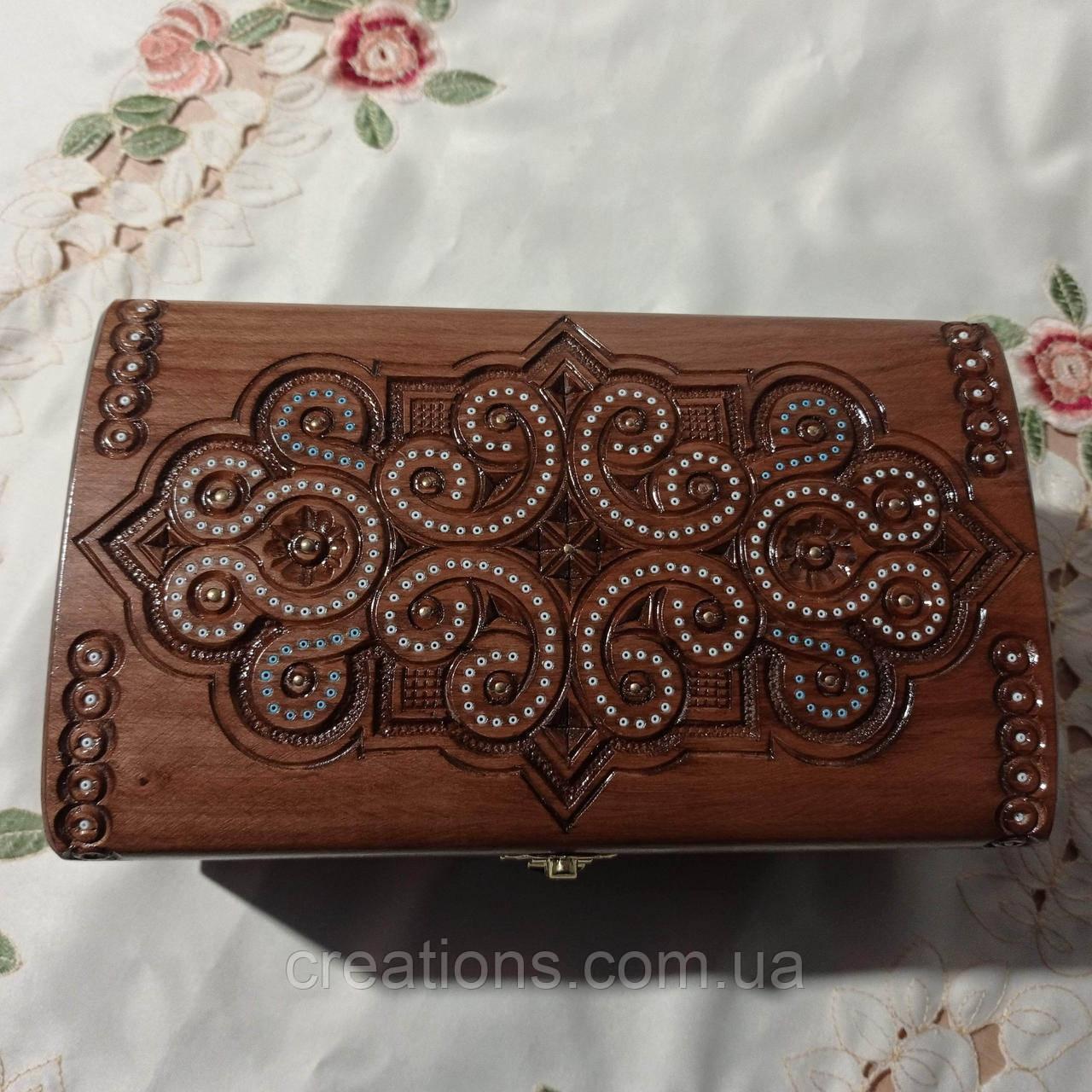 Шкатулка дерев'яна різьблена 23*12*11 для прикрас, ручна робота
