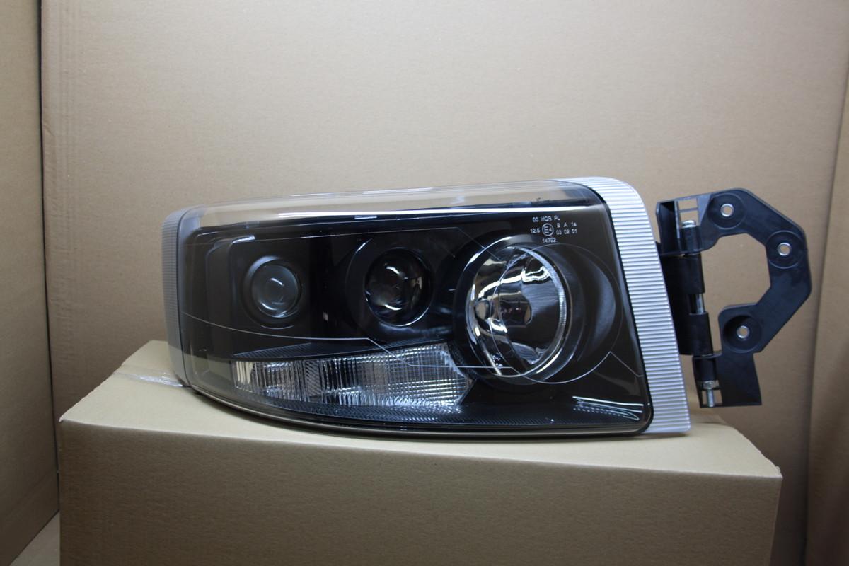 Фара Renault Premium 2007 - 2014 черный рефлектор правая