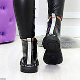 Модные черные глянцевые демисезонные женские ботинки на белой шнуровке, фото 3
