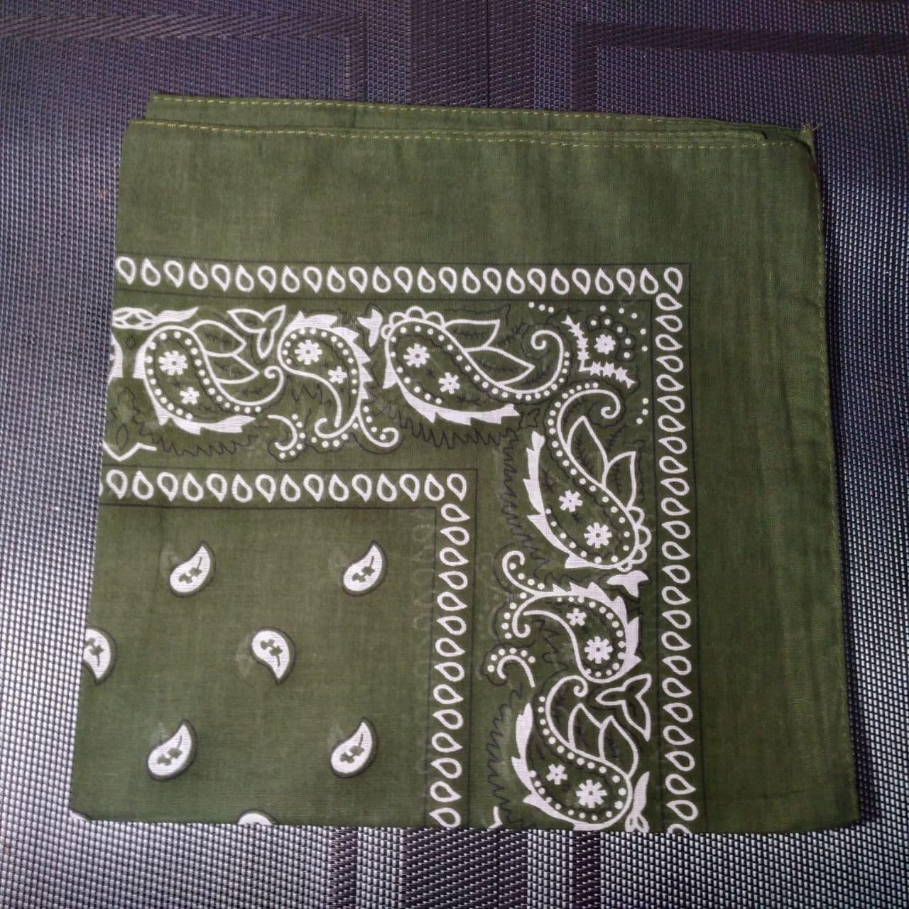 Бандана классическая мутно-зеленая 55х55 см