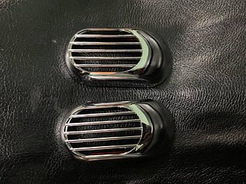 Chevrolet Evanda 2000↗ гг. Решетка на повторитель `Овал` (2 шт, ABS)