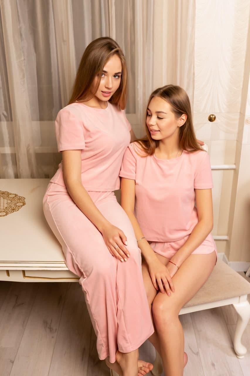 Плюшевая пижама (футболка и шорты) красная