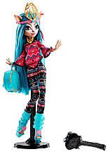 Кукла Монстер Хай Иси Даунденсер - Monster High Brand-Boo Students Isi Dawndancer DJR52