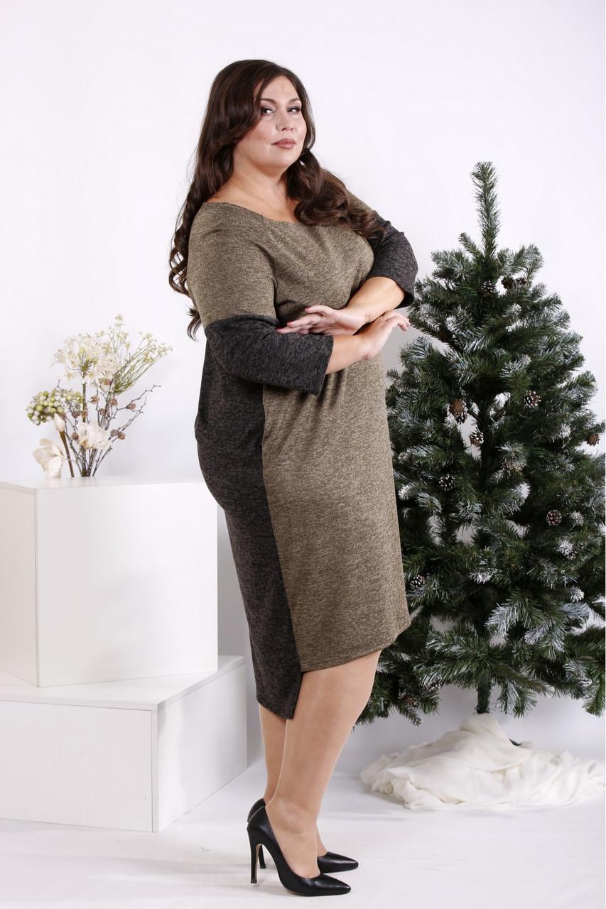 Платье больших размеров прямое с карманами двухцветное
