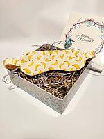 """Женская маска для сна/повязка на глаза ручной работы на резинке в желтом цвете """"Бананы"""""""