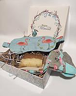 """Подарочный набор с маской для сна/повязкой на глаза и мылом ручной работы  """"Фламинго"""""""