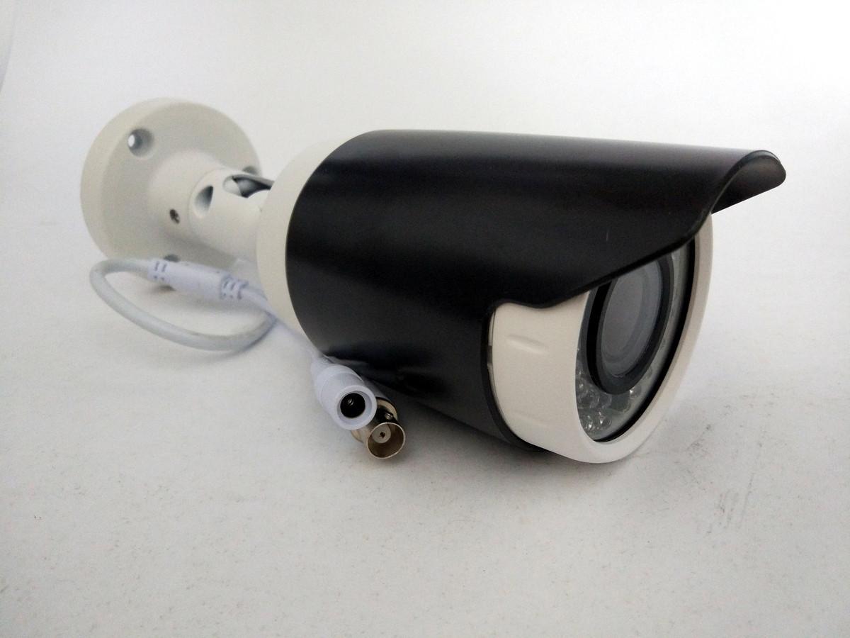 Камера наблюдения варифокальная AHD MHK-A706M-130W