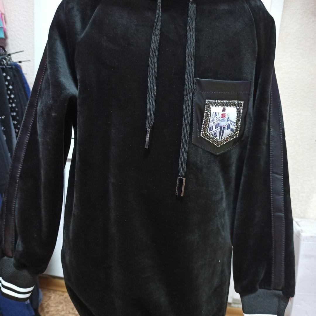 Туника велюровая модная нарядная красивая теплая чёрного цвета для девочки. Очень классная.