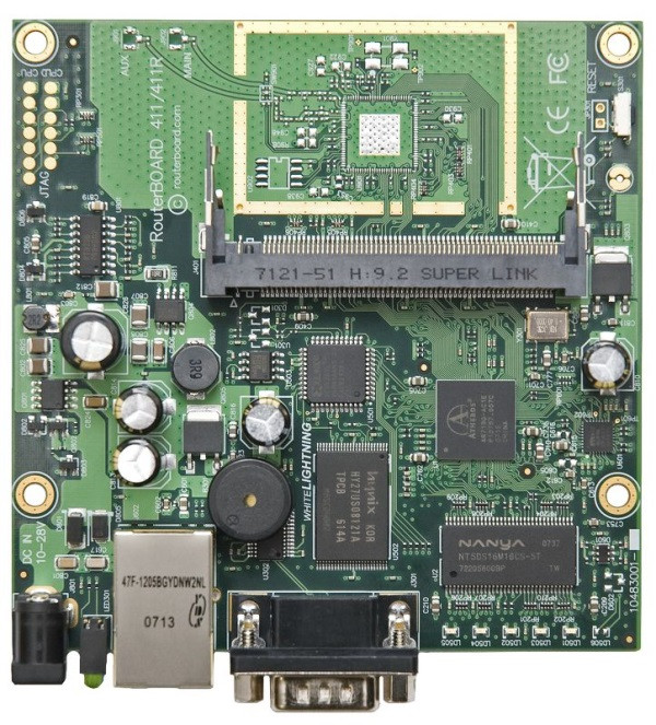Маршрутизатор MikroTik RB411AH (RouterBOARD 411AH with 680MHz Atheros CPU, 64 MB SDRAM, 1 LAN, 1 miniPCI, 64MB
