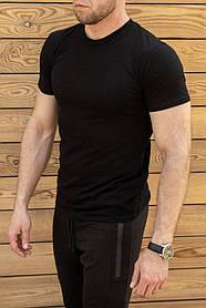 Мужская однотонная черная футболка