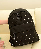 Рюкзак с заклепками