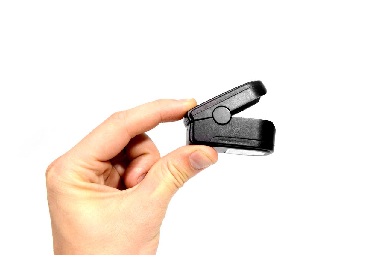 Беспроводной Измеритель пульса Fingertip Pulse Oximeter LK87 пульсометр на палец, компактный пульсоксиметр