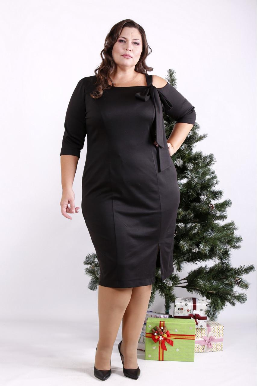 Трикотажное платье для полных черное стильное