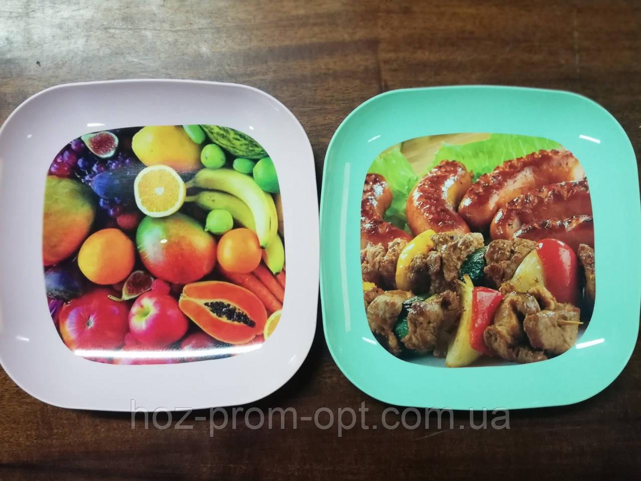 Пластикова тарілка з принтом, 18×18×2.5 див.